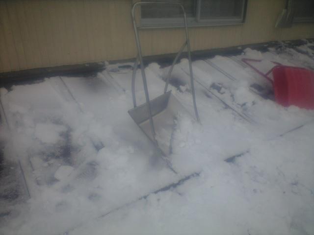 今日も雪下ろし