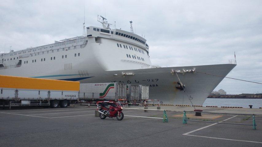 秋田港にて