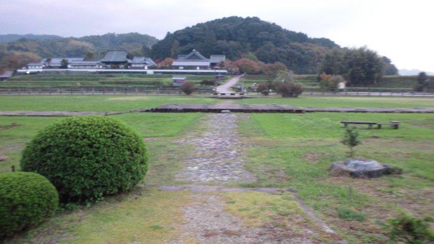 川原寺跡から橘寺