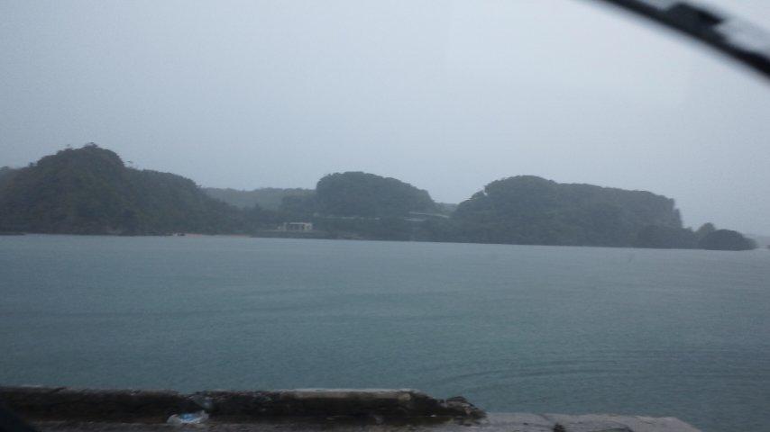 伊計島を前に見て