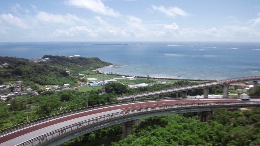 ニライカナイ橋を見ながら